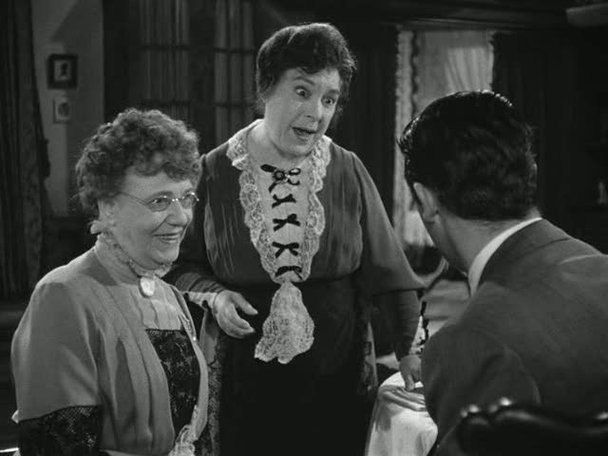 murder and insanity in the movie arsenic and old lace Cary grant stars in arsenic and old lace, an energetic comedy-farce of a film from director frank capra (1944) it is a madcap look at romance and the lack of it with old maids burying grumpy old men murdered by poisoning, with arsenic no less.